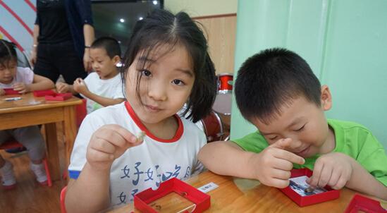 快乐童年-毛猴体验活动走进大安幼儿园