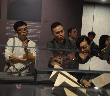 国外众多文学巨匠珍贵手稿在浙江乌镇展出