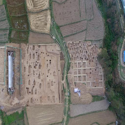 四川考古首次大规模发现半地穴式房址