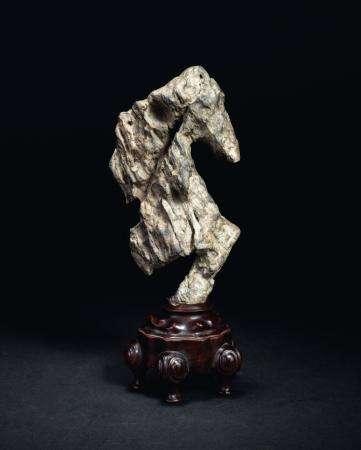 赏石拍卖新观察:海外藏家主导古石收藏风向