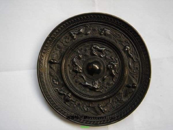 古铜镜收藏鉴别有技巧