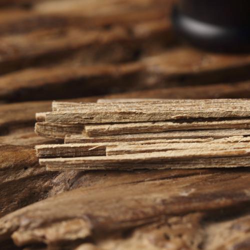 一块金贵的木头:如何识别好沉香?