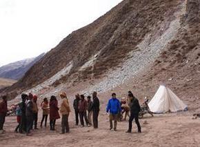 西藏昌都发现距今约2000年石棺墓葬
