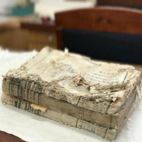 一天精修一页纸 古籍修复师让沉睡古书复活