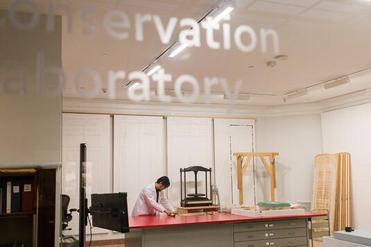 美密歇根大学美术馆重新开放亚洲优乐国际保护实验室