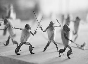 """北京93号院博物馆""""毛猴上的生旦净末丑""""公益展:当毛猴首次邂逅京剧脸谱"""