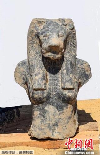 """埃及出土27尊""""战争女神""""像:高约2米 狮头人身"""