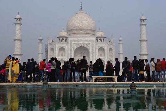 印度采取措施保护泰姬陵限制本国游客每日参观人数