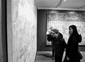 """北魏地下""""豪宅""""壁画亮相北京大学考古与艺术博物馆"""