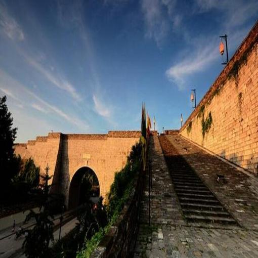 """保护文化遗产需要明城墙""""献砖""""精神"""