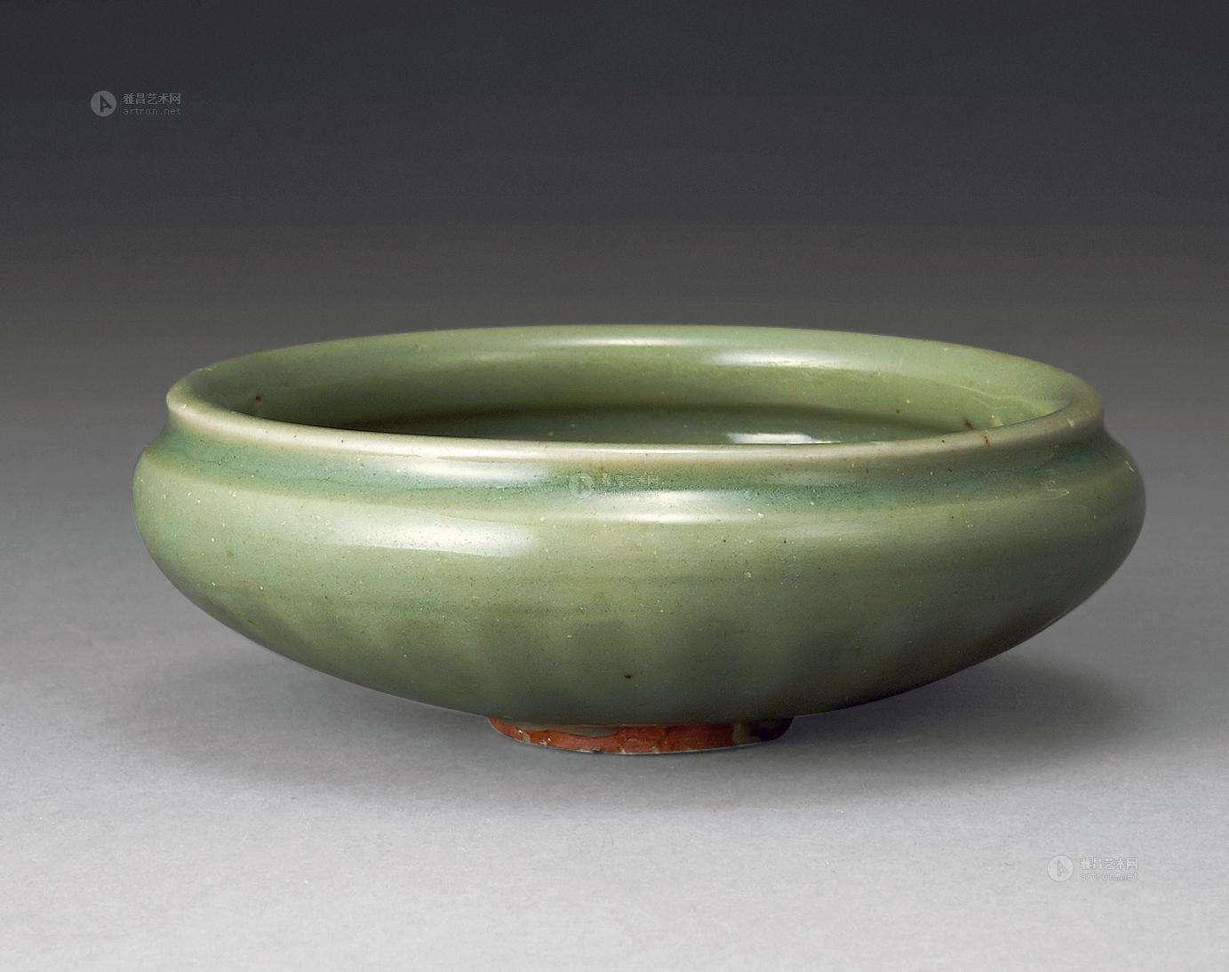 素雅、宁静、含蓄青瓷,是可以碧玉比美的存在