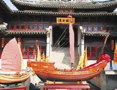 """[台州]七旬""""船王""""制作捐献戚家军战船模型"""