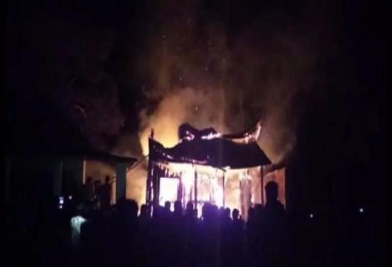 拉萨大昭寺着火 官方称无人员伤亡和文物损坏