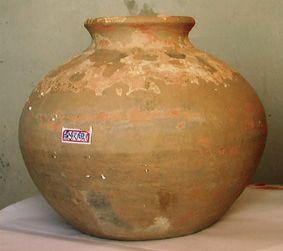 青海河湟地域陶猪和陶罐