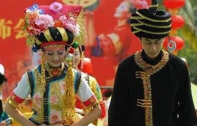 彝族人独特的风俗习惯