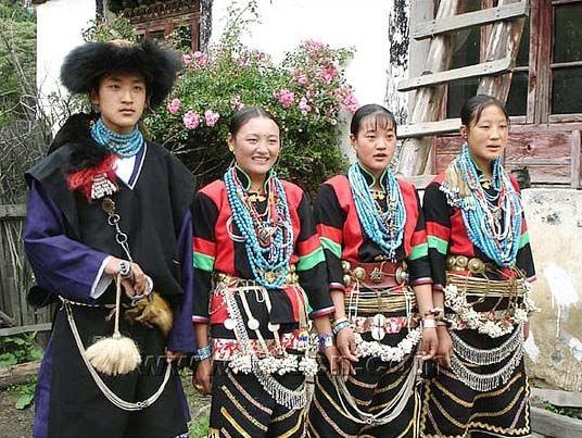 珞巴族的民族风俗