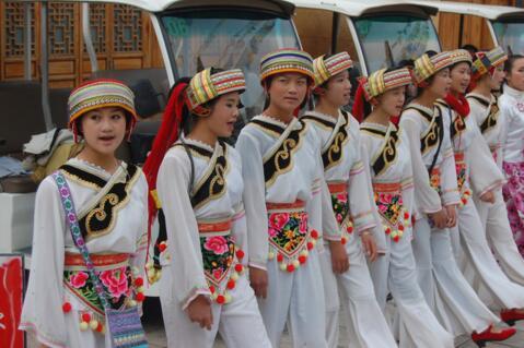 彝族的民族风俗