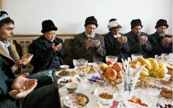 以瓜代茶的维吾尔习俗