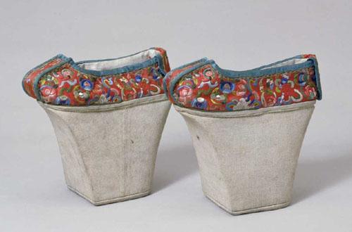 """古代中国女子也流行穿""""高跟鞋"""" 最高可达25厘米"""