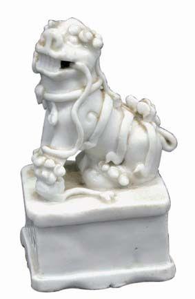 明代德化窑狮摆件