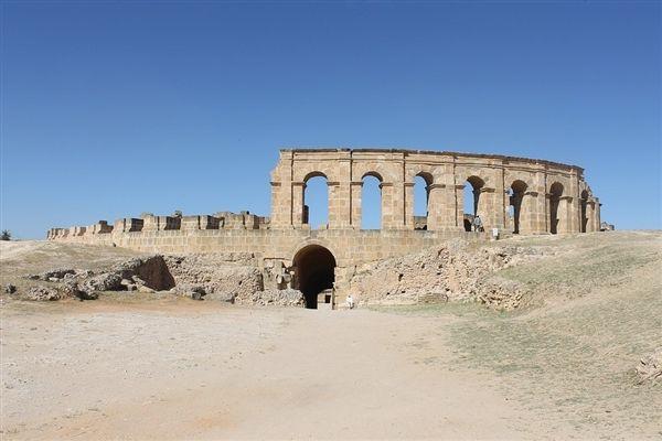 罗马修地铁又一次修出古罗马军事设施遗址