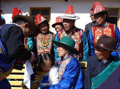 裕固族礼仪文化--剃头仪式