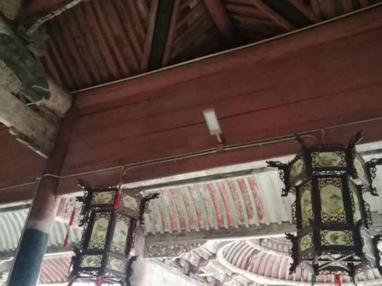 宁海岙胡胡氏宗祠古戏台等4家单位完成电线改造工程
