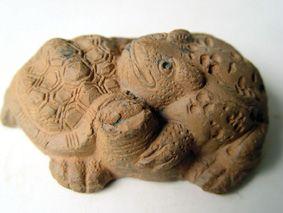 造型奇特的宋代金蟾神龟陶塑