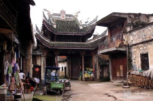 """东阳采集""""千村档案""""构建古村数据库"""