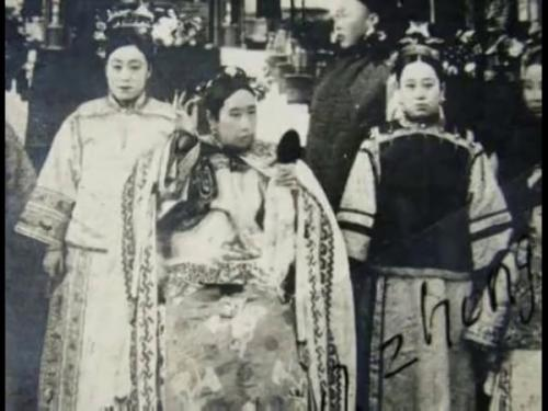 慈禧为何怕看电影:70大寿皇宫放电影曾爆炸