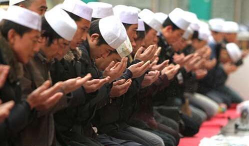新疆的麻札朝拜之礼仪