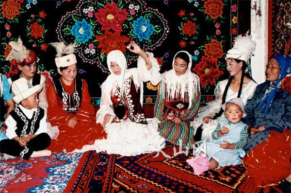 柯尔克孜族礼仪文化