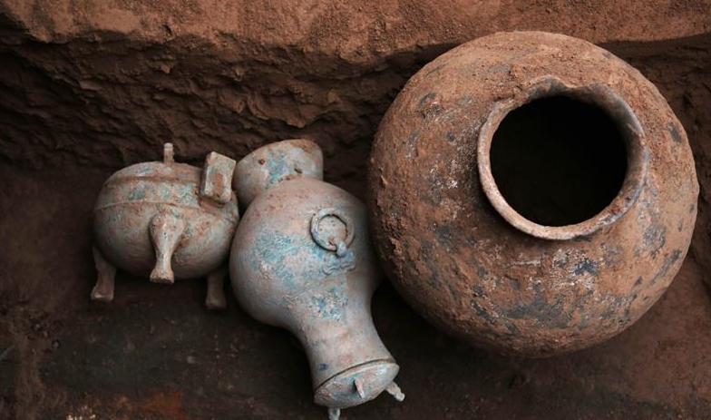 陕西省考古发现2000多年前秦国古酒