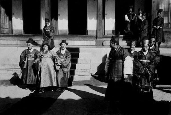 百年前的朝鲜王室