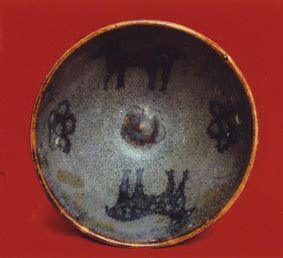 南宋吉州窑黑釉梅花鹿纹碗