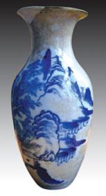 青花山水观音瓶