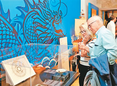 外国人听中国文物讲故事