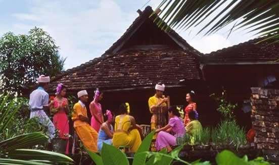傣族的串姑娘