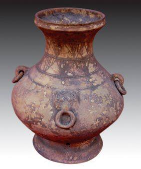 西汉仿青铜酒器白陶壶