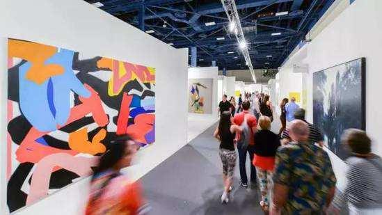 """从香港巴塞尔艺术展观察市场:处于""""爆发期前奏"""""""