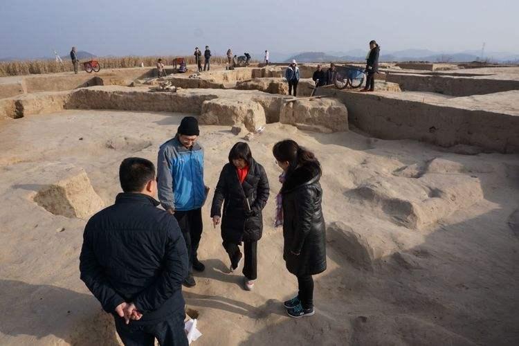 延安芦山峁遗址发现距今4500年左右大型房址