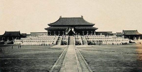 """中国古代都城流行""""两京制"""""""