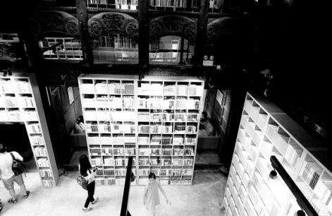 当古建筑遇到书店:人文+阅读会焕发怎样的光彩?