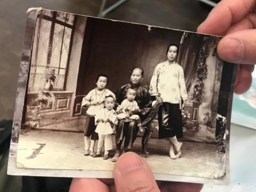 """美华人博物馆举办""""传家宝""""活动 揭开隐藏历史"""