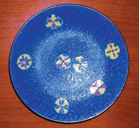 特种工艺瓷―――色釉地轧道粉彩器