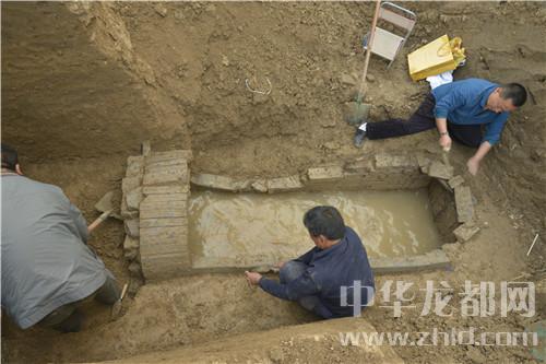 周口发现一座西汉墓葬 出土8件西汉青釉瓷