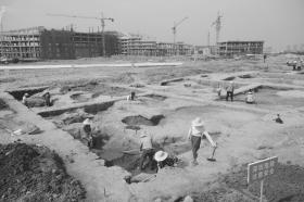 宝塔遗址告诉你三千多年前先民生活