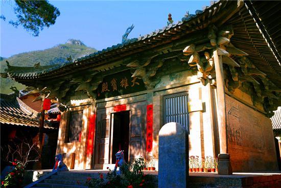 平顺龙门寺:山水环绕八宝龙门
