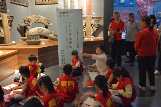 迎国际博物馆日 丽博瓯朋社教牵手童画宝宝走进博物馆