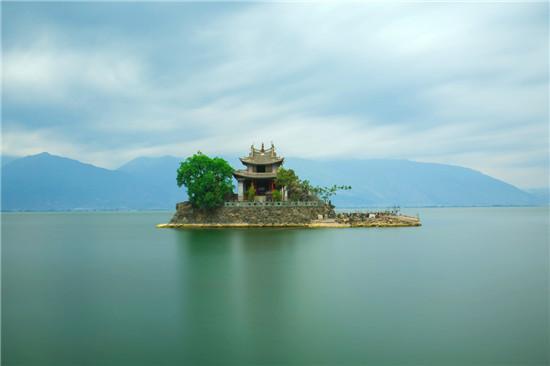 湖心亭:浮光掠影倒影婆娑